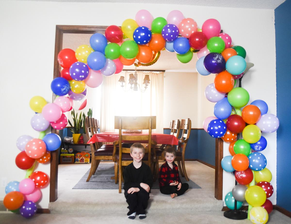 Dollar Tree Balloon Arch DIY Tutorial