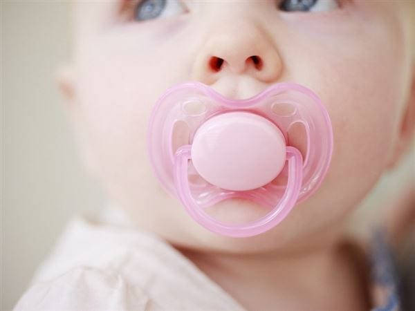 These Pacifiers for Breastfed Babies are the Best on the market right now!