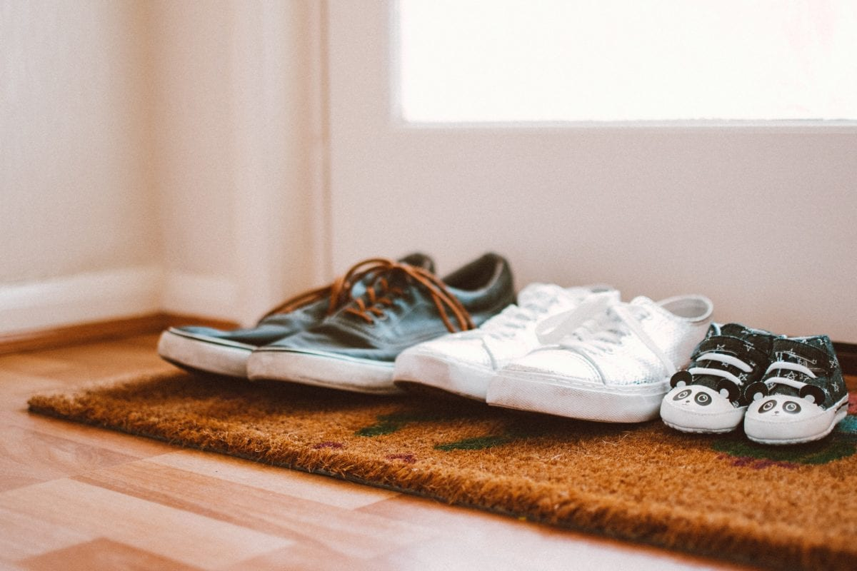 Pregnancy Feet? Here are 15 Great Shoes for Swollen Feet!