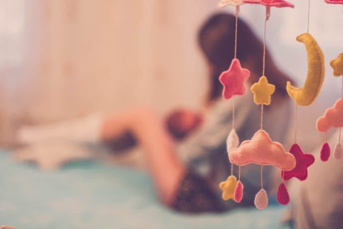 4 Unusual Breastfeeding Positions to Try When Struggling During Feedings